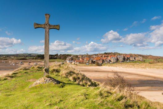 Das Dorf Alnmouth in Northumberlands (Bild: © Dave Head - shutterstock.com)