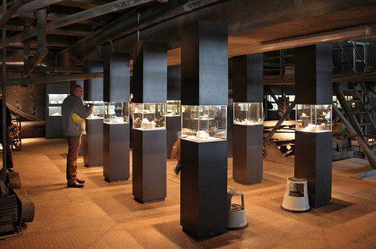 Erzbergwerk Rammelsberg: Blick auf die Mineraliensammlung im Gebäude der Erzaufbereitung. (Bild: Norbert Kaiser, Wikimedia, CC)