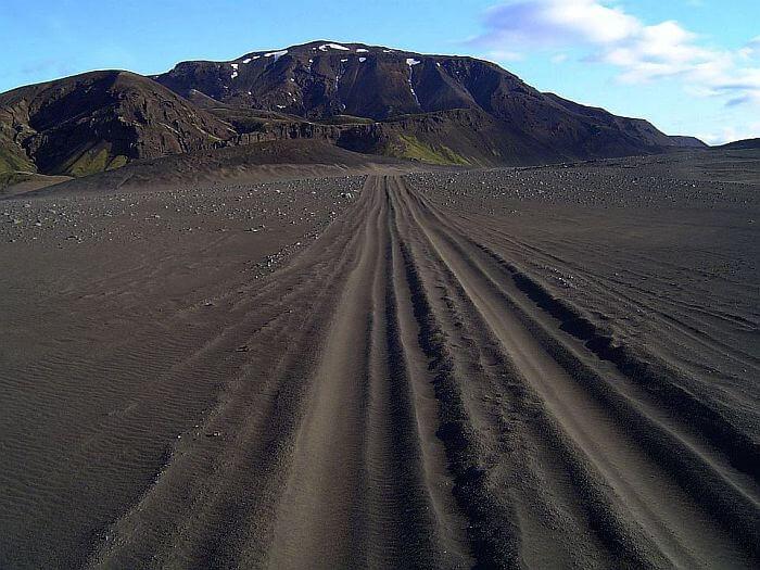 Umgeben von Vulkanwüste im Niemandsland. (Bild: © Heike Pirngruber)