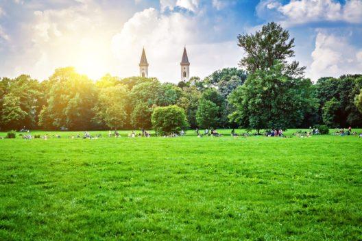 Englischer Garten in München (Bild: © Mariia Golovianko - shutterstock.com)