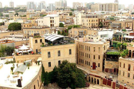 Altstadt von Baku (Bild: Khortan, Wikimedia, CC)