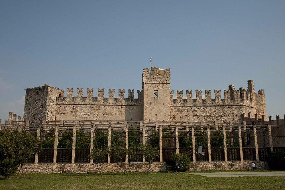 Torri del Benaco (Bild: © anghifoto - fotolia.com)