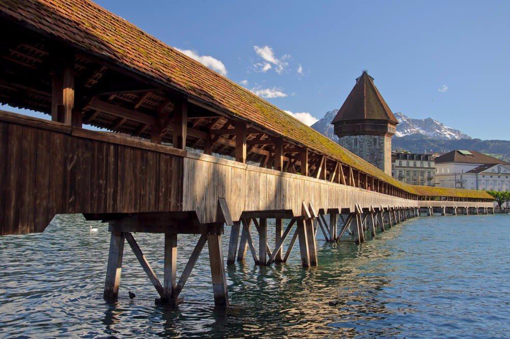 Kapellbrücke (Bild: © Matteo Cozzi - shutterstock.com)