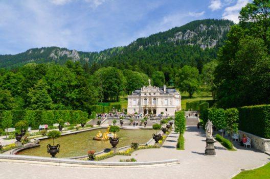 Schloss Linderhof (Bild: © Scirocco340 - shutterstock.com)