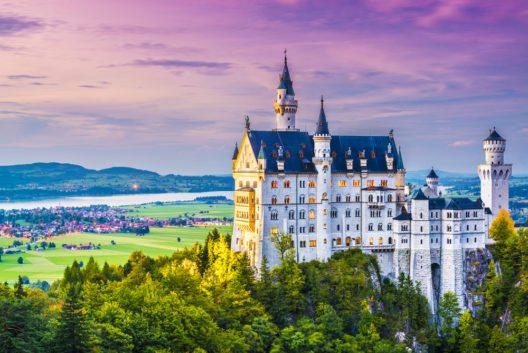 Das Märchenschloss Neuschwanstein (Bild: © Sean Pavone - shutterstock.com)