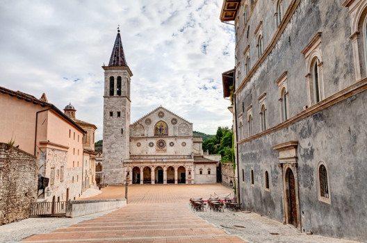 Die Kathedrale von Spoleto (Bild: ermess / Shutterstock.com)