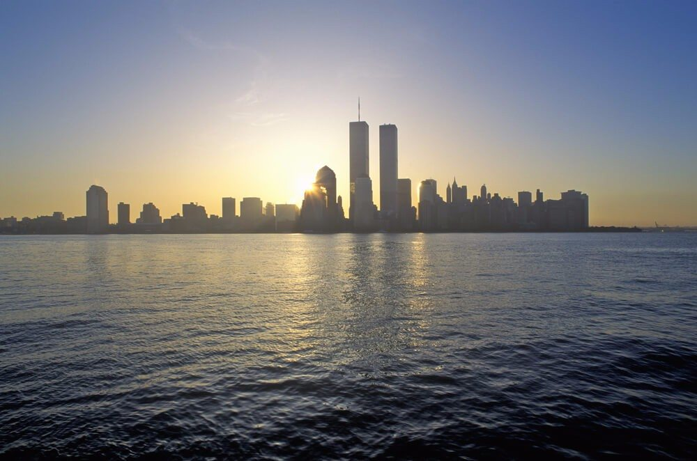 Das neue One World Trade Center wurde unmittelbar neben den Standorten der beiden früheren Türme errichtet. (Bild: © Joseph Sohm - shutterstock.com)