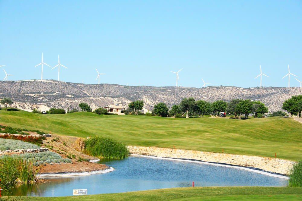 Wer Golfen will, sollte in der Nähe von Paphos logieren (Bild: © ruzanna - shutterstock.com)