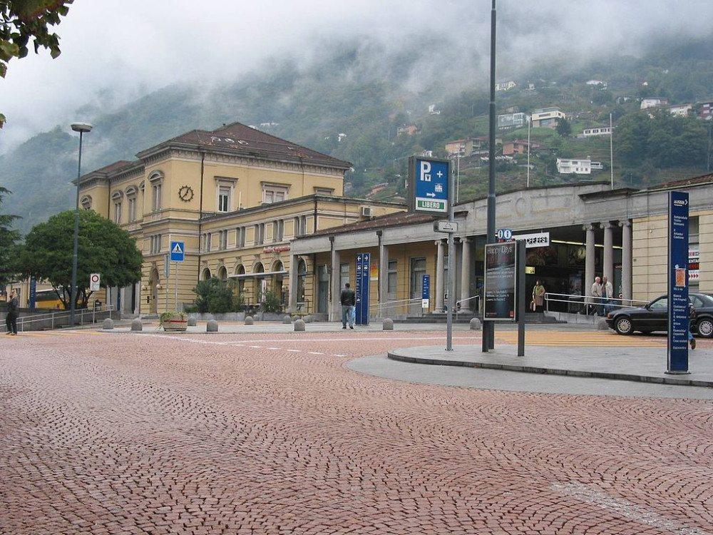 "Am Bahnhof von Bellinzona hält die legendäre Gotthard-Bahn. (Bild: © Extrawurst - Wikimedia - <a title=""creativecommons.org - Creative Commons"" href=""http://creativecommons.org/licenses/by-sa/3.0/"" target=""_blank"">CC BY-SA 3.0)</a>"