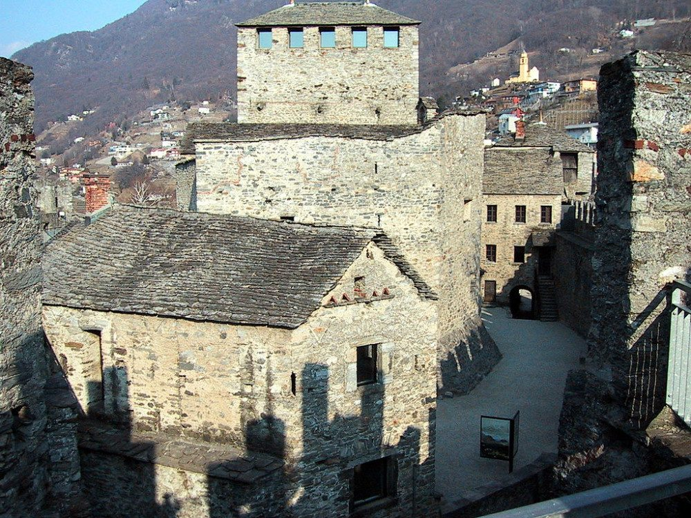 "Kernanlage der grossen Befestigungsanlage Montebello oberhalb von Bellinzona (Bild: © Berger - Wikimedia - <a title=""creativecommons.org - Creative Commons"" href=""http://creativecommons.org/licenses/by-sa/3.0/"" target=""_blank"">CC BY-SA 3.0)</a>"