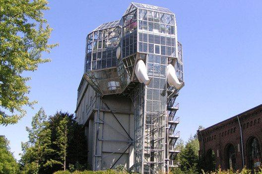 Elefantenformiges Gebäude im Maximilianpark, Hamm (Bild: Picture8, Wikimedia, public domain)