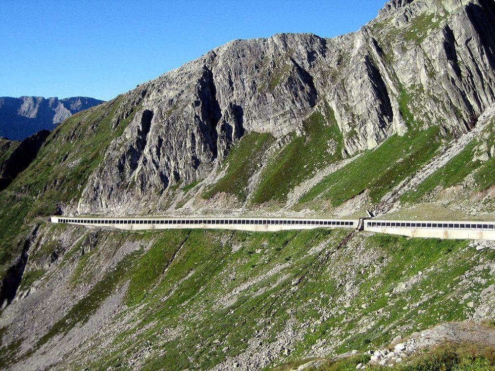 St. Gotthardpass, Galerie südlich des Hospiz (Bild: © Adrian Michael – Wikimedia – CC BY-SA 3.0)
