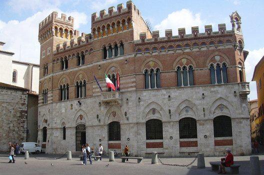 "Der ""Palazzo Aldobrandeschi"" in Grosseto (Bild: Gabriele Delhey, WIkimedia, GNU)"