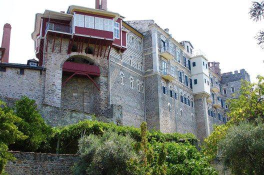 Vatopedi nimmt daher den zweiten Rang in der Klosterhierarchie von Berg Athos ein. (Bild: Θεοδωρος, Wikimedia, public domain)