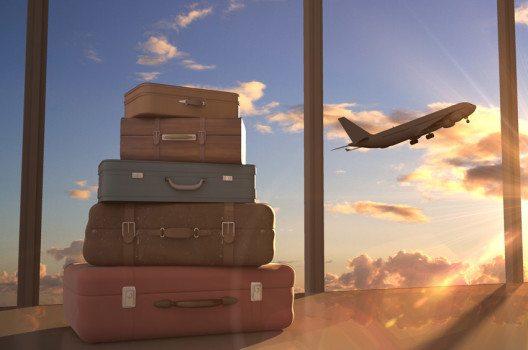 Welcher Koffer sich für Ihre Reise am besten anbietet, hängt von der Reisedauer ab. (Bild: Peshkova – shutterstock.com)