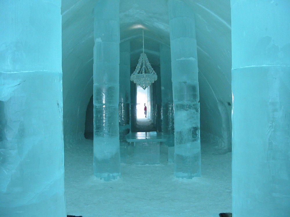 Sehr kalt geht es im schwedischen Eishotel Jukkasjärvi zu. (Bild: © Tom Corser www.tomcorser.com - CC BY-SA 2.0)