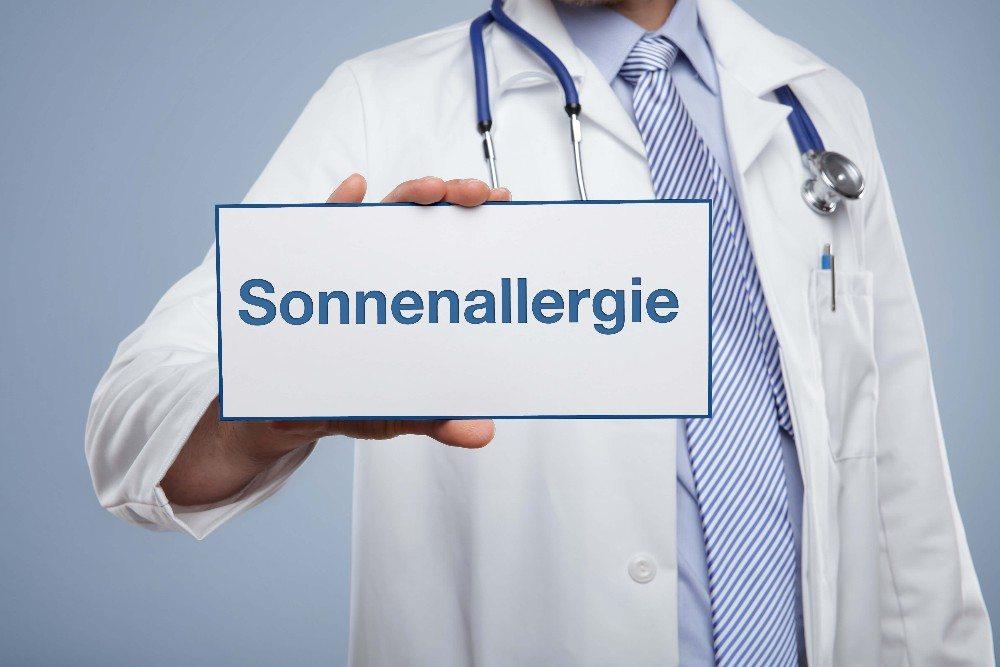 Es ist ratsam, bei Beschwerden einen Arzt aufzusuchen, der eine genaue Diagnose stellen kann. (Bild: © Coloures-pic - fotolia.com)