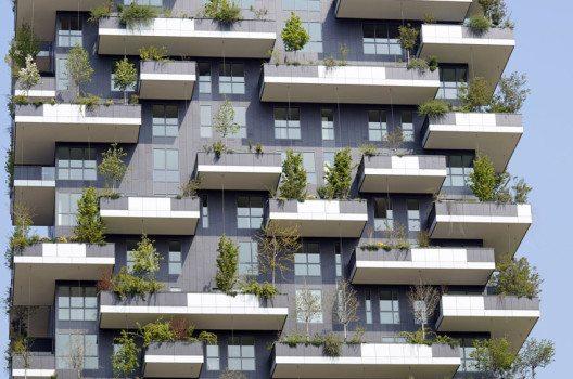 Der Baustoff des Balkons richtet sich vor allem nach dem Stil des Gebäudes. (Bild: Stefano Carnevali – shutterstock.com)