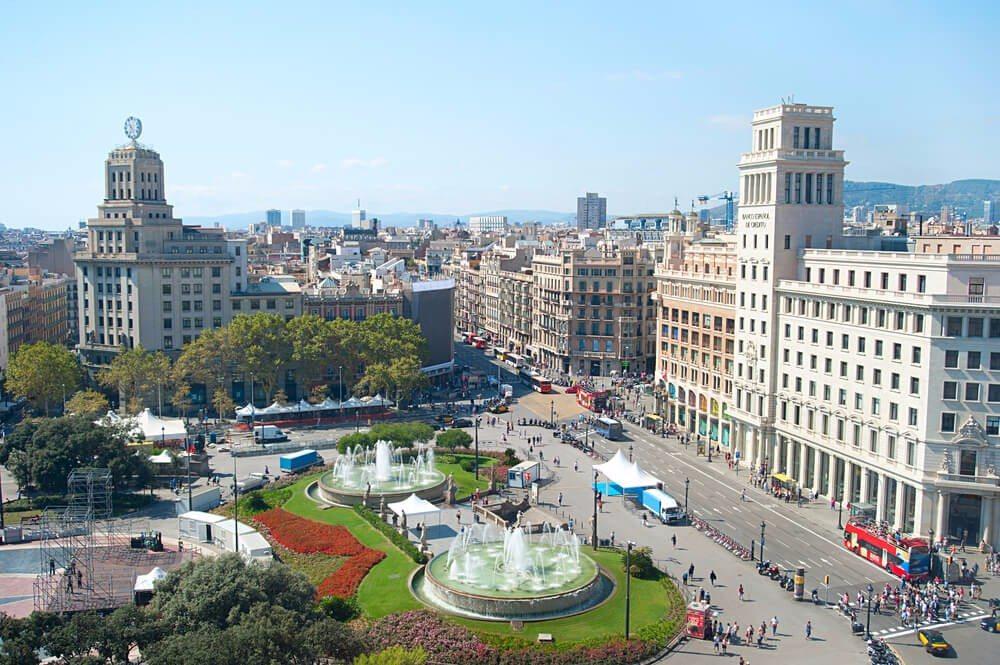Die spanische Hafenstadt Barcelona ist für Shoppingfans genau das Richtige. (Bild: © joyfull - shutterstock.com)