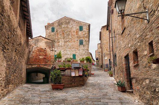 Historisches Zentrum von Castiglione della Pescaia (Bild: elesi – shutterstock.com)