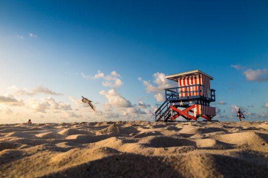 Mit Sand aufgeschüttet: Miami Beach (Bild: f11photo – shutterstock.com)