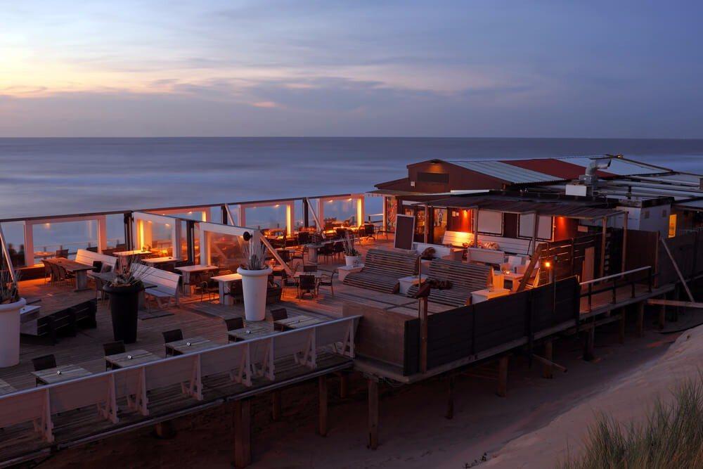 Selbst Spitzenrestaurants haben sich über die letzten Jahrzehnte entlang der Nordseeküste angesiedelt. (Bild: © Steve Photography - shutterstock.com)