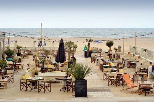 Restaurant an der Nordseeküste (Bild: Savvapanf Photo – shutterstock.com)