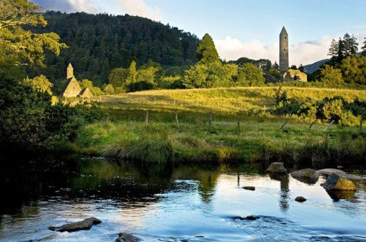 Glendalough (Bild: www.ireland.com)