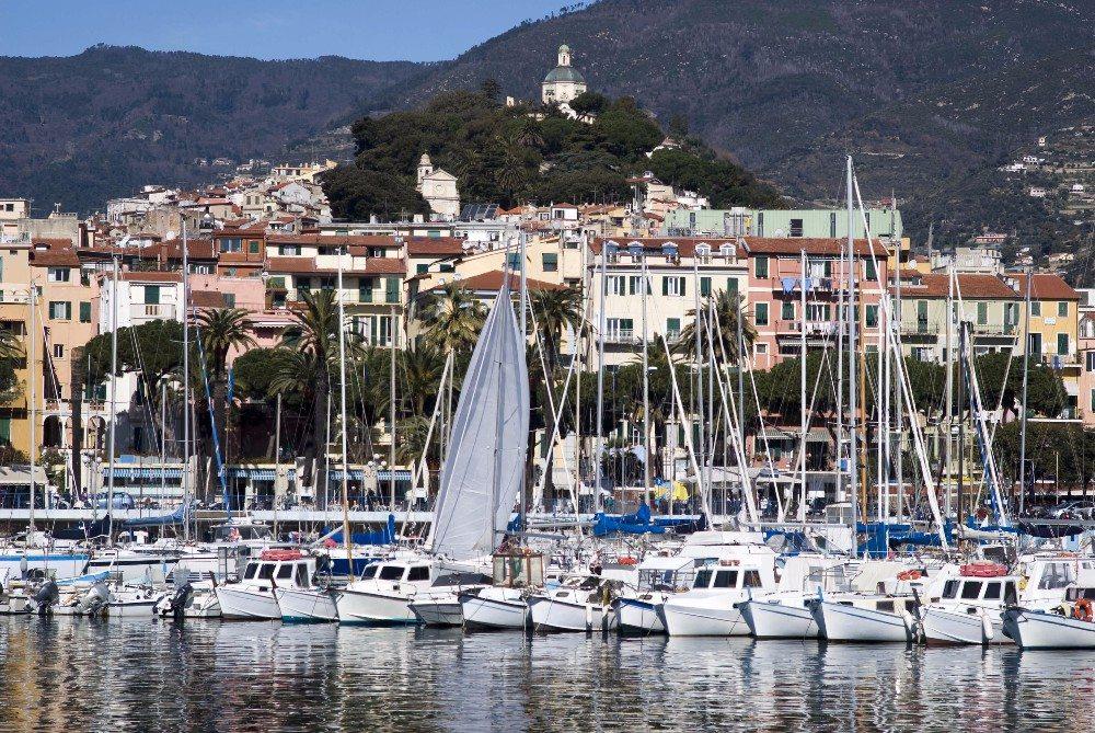 Der Yachthafens hat seine Existenz vor allem dem Tourismus zu verdanken. (Bild: © Dimitri Surkov - fotolia.com)
