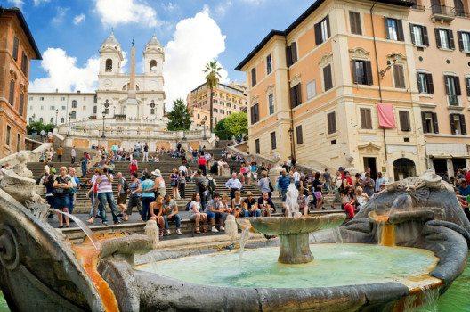 Die Spanische Treppe ist ein beliebter Anlaufpunkt in Rom. (Bild: Viacheslav Lopatin – shutterstock.com)