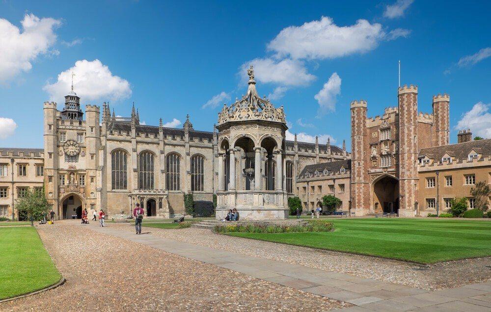 Das Trinity College ist eine der Top-Sehenswürdigkeiten der irischen Hauptstadt Dublin. (Bild: © Ml2odY - shutterstock.com)