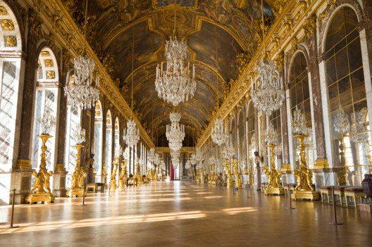 Schloss Versailles – die Spiegelgalerie (Bild: Jose Ignacio Soto – shutterstock.com)