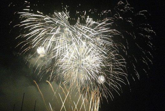 Feuerwerk am Züri-Fäscht (Bild: Manuae, WIkimedia, CC )