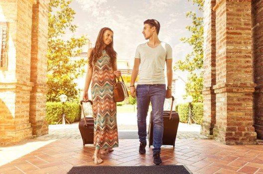 Aus User-Sicht bietet die Buchung über Hotelportale viele Vorteile. (Bild: © Gergely Zsolnai - shutterstock.com)