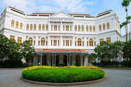 Raffles Hotel in Singapur (Bild: Iryna Rasko – shutterstock.com)