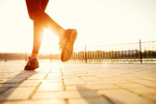 Sie gehen morgens gerne eine Runde joggen? (Bild: © arthurhidden - fotolia.com)
