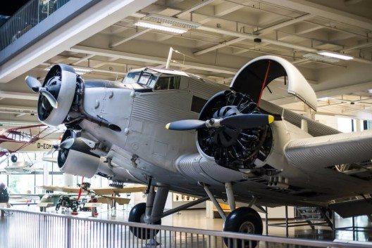 Die Luftfahrt-Ausstellung im Deutschen Museum hat einen Umfang, der gut für ein eigenes Museum ausreichen würde. (Bild: © In Green - shutterstock.com)