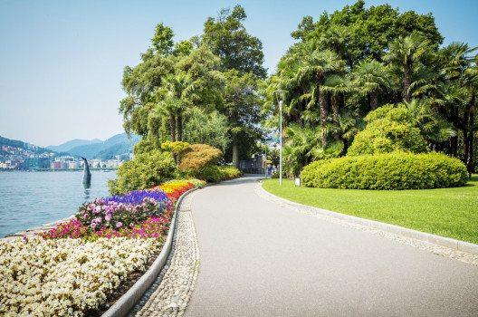 Uferpromenade in Lugano (Bild: mikolajn – shutterstock.com)