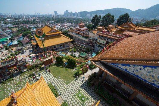 Ähnlich wie Malakka präsentiert George Town ein buntes Gemisch an Kirchen, Moscheen und Hindu-Tempeln. (Bild: © Pe3k - shutterstock.com)