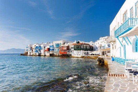 2015 stehen Inseln wie z.B. Mykonos ganz oben auf der Skala der beliebtesten Destinationen. (Bild: © BlueOrange Studio - shutterstock.com)