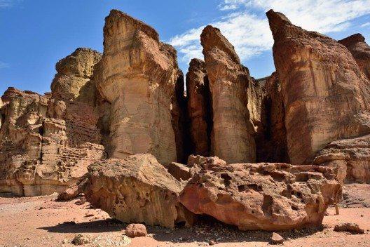 Timna ist auch wegen seiner spektakulären Felsformationen interessant. (Bild: © Oleg Znamenskiy - shutterstock.com)