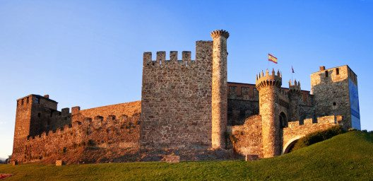 Burg der Tempelritter in Ponferrada (Bild: Mik Man – fotolia.com)
