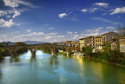 Puente la Reina (Bild: KIKETXO – shutterstock.com)