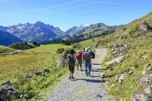 Die Reiselust der Schweizer ist nicht nur ungebrochen, sie steigt kontinuierlich an. (Bild: © ARochau - fotolia.com)