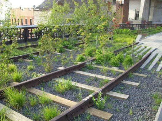 """Die High Line war ursprünglich eine Hochbahnstrecke für Güterverkehr im Meatpacking District. (Bild: 2009 / © Sebaso / Wiki / <a title=""""creativecommons.org - Creative Commons"""" href=""""https://creativecommons.org/licenses/by-sa/4.0/deed.de"""" target=""""_blank"""">CC</a>)"""