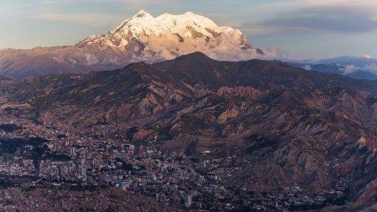 Die Stadt La Paz. (Bild: © Shanti Hesse - shutterstock.com)