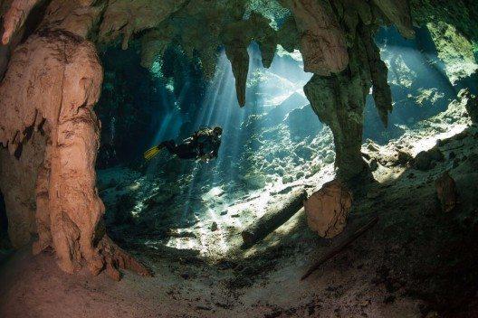 Höhlenschnorcheln in Mexiko (Bild: © Marcus Bay - shutterstock.com)