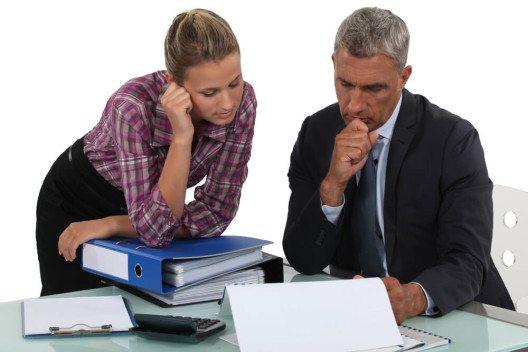 Verhandle mit deinem Chef über dein geplantes Reiseprojekt. (Bild: © auremar - shutterstock.com)