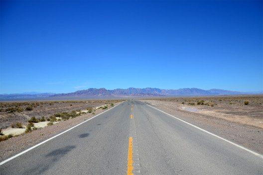 Zum Death Valley fährt man am besten von Las Vegas aus. (Bild: © Marina Sutter)