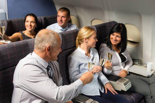 Mit guter Vorbereitung sind entspannte Flugreisen möglich. (Bild. © CandyBox Images - shutterstock.com)